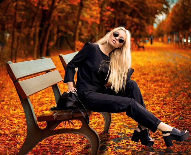 5 outfit ideas for fall weekend getaways